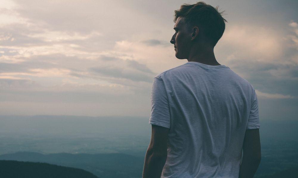 5 Cara Agar Kamu Tetap Terlihat Keren di Mata Cewek Walaupun Gak Ganteng