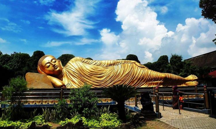 Patung Buddha di Mojokerto