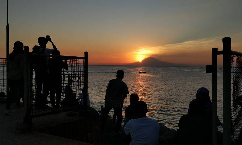 4 Tempat Asyik di Pulau Lombok Untuk Para Pecinta Senja dan Penikmat Sunset