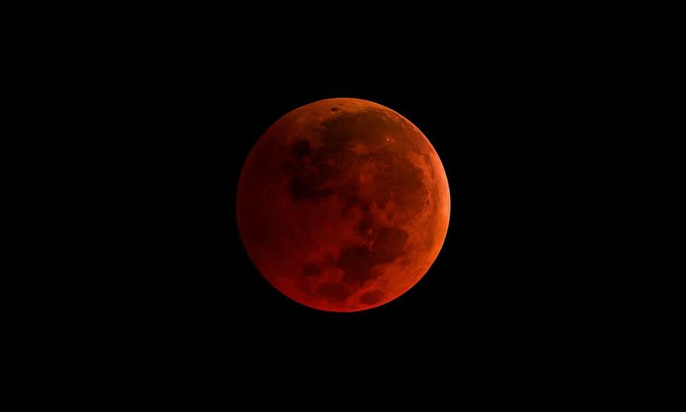 Bulan Super Darah Biru Terlihat di Indonesia dan Berbagai Mitos Mengenai Fenomena Itu