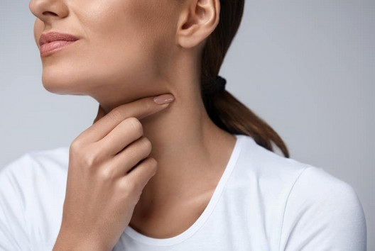 Cara Menyembuhkan Penyakit Radang Tenggorokan Secara Alami