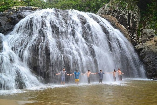 Trekking Seru Menuju Wisata Pantai Banyu Anjlok Malang