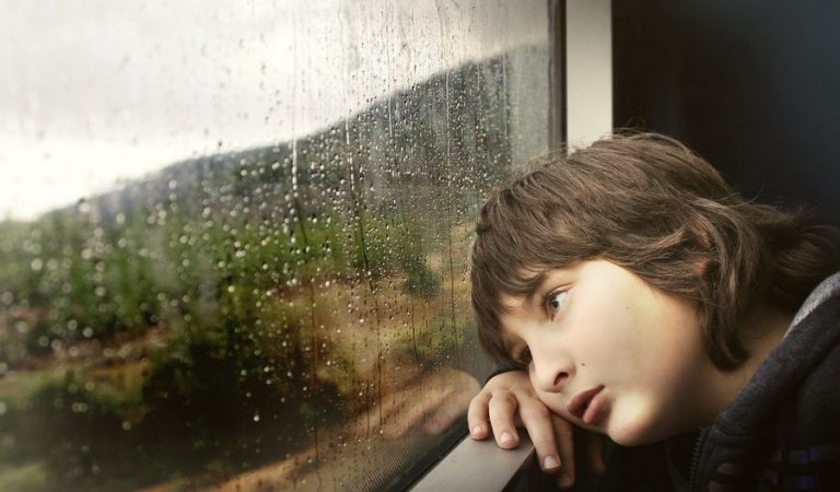 Cara Mengatasi Kebosanan Saat Isolasi Diri di Rumah, Yuk Simak Penjelasannya Disini