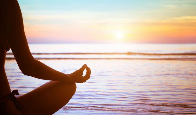Cara Relaksasi untuk Redakan Kecemasan yang Dapat Anda Coba